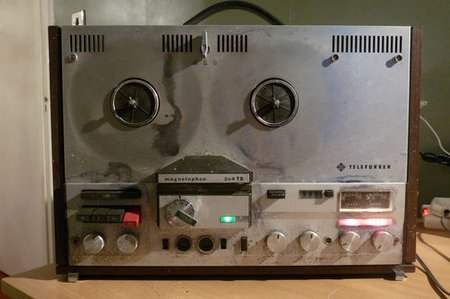 TELEFUNKEN-MAGNETOPHON-204TS